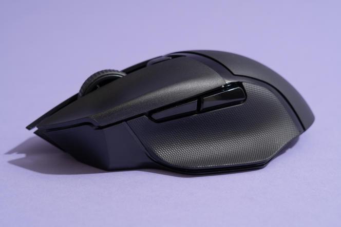 La X HyperSpeed ne possède pas de bouton d'embrayage pour le pouce mais est dotée de deux boutons personnalisables situés sur le côté gauche.