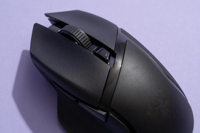 La X HyperSpeed ne possède pas autant de boutons que la V2 ou la Ultimate.