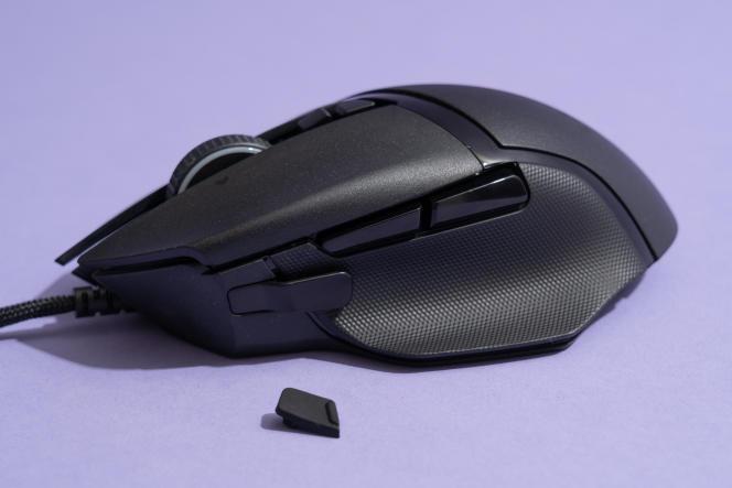 La Basilisk 2 est vendue avec un bouton d'embrayage pour le pouce.