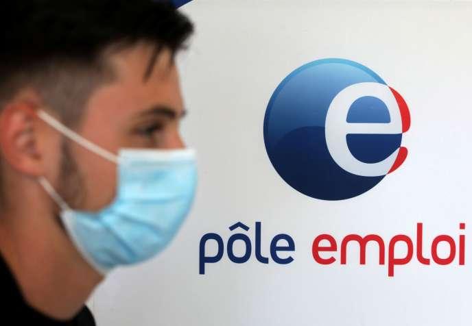Dans une agence Pôle emploi d'Antibes (Alpes-Maritimes), le 29 juin.