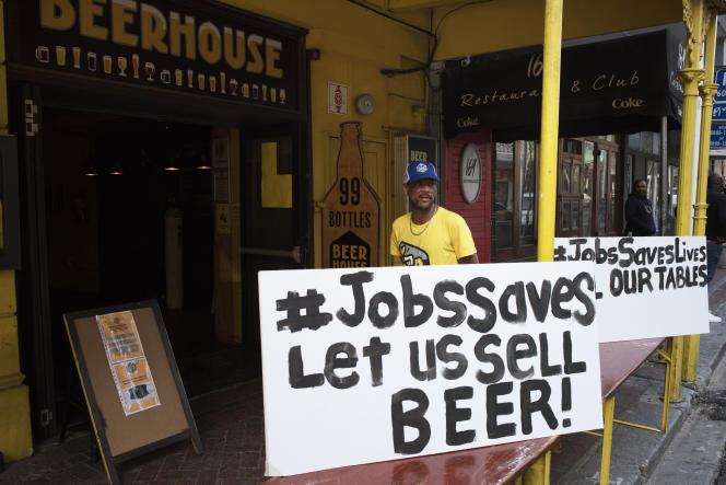 Au Cap, le 22 juillet 2020, manifestation pour que les lieux de convivialité puissent réouvrir.