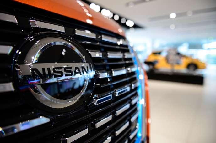 Véhicule exposé dans un showroom de Nissan, au siège, à Yokohama (Japon), le 28 juillet 2020.