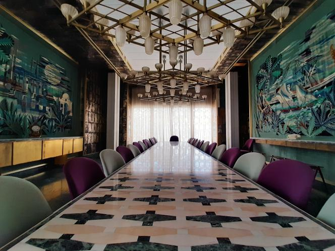 Salle de réception avec des tapisseries margoum du palais d'été de Habib Bourguiba, à Skanès, près de Monastir, sur la côte tunisienne.