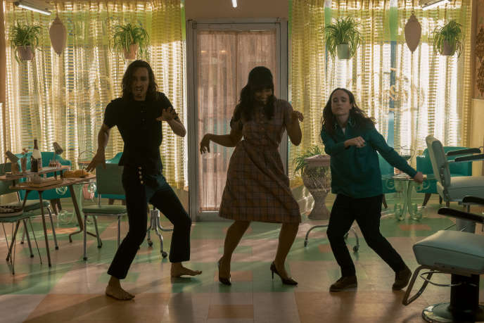 De gauche à droite, Robert Sheehan, Emmy Raver-Lampman et Ellen Page.