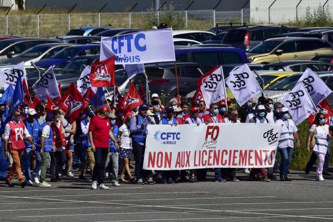 Lors d'une manifestation de salariés d'Airbus, à Blagnac, près de Toulouse, le 8 juillet.