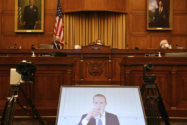 Mark Zuckerberg lors d'une pause pendant son audition à Washington, le 29 juillet.