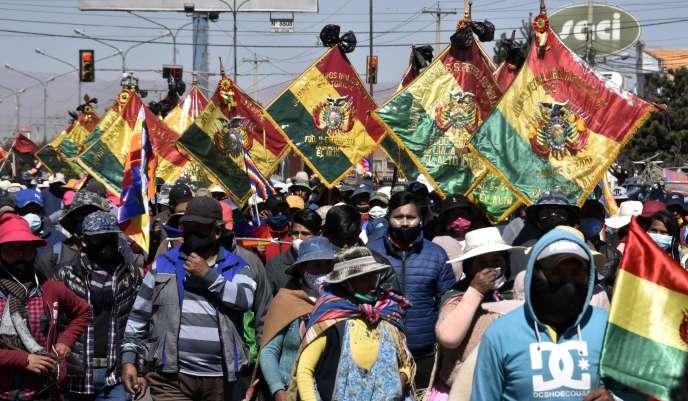 Manifestation en soutien à l'ancien président bolivien Evo Morales, le 28 juillet à El Alto (Bolivie).