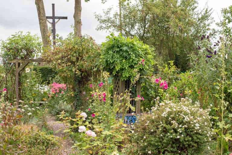 Jardin de Denis et Paula Coombes à Neulliac en Bretagne le 24 juillet.