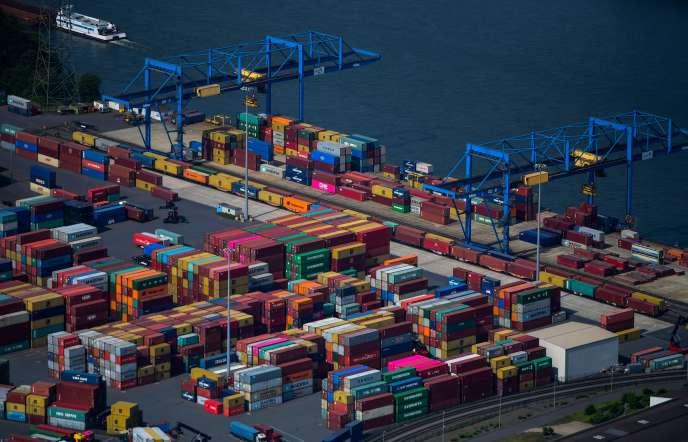 Dans le port de Duisburg (Allemagne), le 8 mai 2020.
