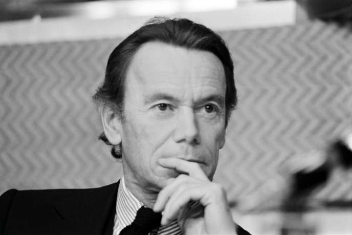 Albin Chalandon, alors député des Hauts-de-Seine, participant aux Assises de l'UDR à Nantes, en novembre 1973.