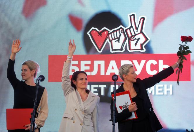 Maria Kolesnikova, Svetlana Tsikhanovskaïa etVeronika Tsepkaloà Minsk (Biélorussie), le 30 juillet.