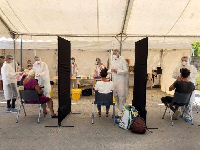 Test de dépistage du coronavirus à Quiberon (Morbihan), le 29 juillet.