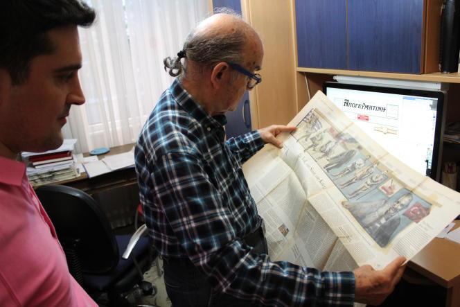 Mihail Vasiliadis, 81 ans, s'occupe du quotidien «Apoyevmatini»avec son fils Minas. C'est le dernier quotidien en langue grecque imprimé à Istanbul.