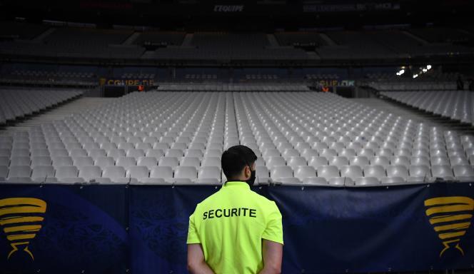 Le nombre de spectateurs au Stade de France était limité à 5 000, vendredi 31 juillet, lors de la finale de la Coupe de la Ligue.
