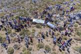 Manifestation contre le projet d'installation d'éoliennes à Sitanos, à l'est de la Crète, le 5 juillet.