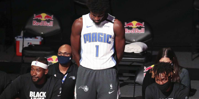Basket : le dilemme de s'agenouiller pendant l'hymne américain en NBA