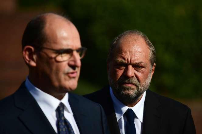 Le premier ministre, Jean Castex, au côté du ministre de la justice, Eric Dupond-Moretti, au palais de justice de Bobigny, le 8 juillet.