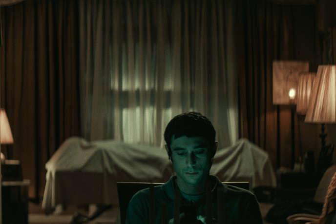 Dave Davis (Yakov) dans« The Vigil», de Keith Thomas.