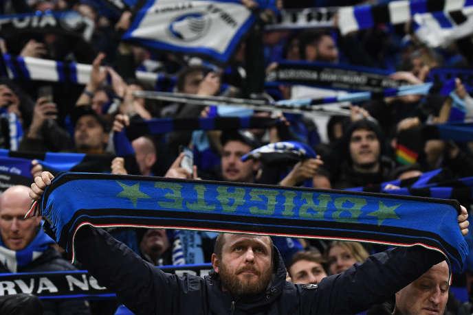 Supporteurs de l'Atalanta Bergame lors du16e de finale de la Ligue des champions contre Valence, le 19 février 2020, au stade San Siro, à Milan.