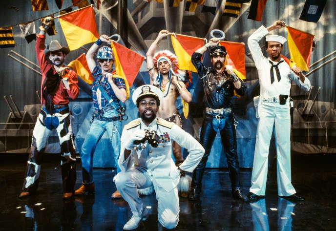 La première formation des Village People (de gauche à droite) : Randy Jones, David Hodo, Felipe Rose, Glenn Hughes, Alex Briley et Victor Willis.