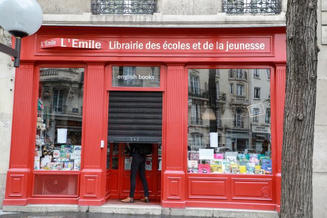 Le 11 mai 2020, lever de rideau pour les librairies déconfinées, comme ici, à Paris.