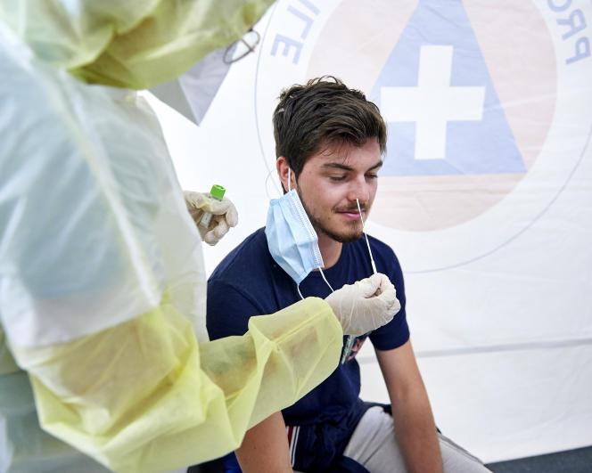 Test de dépistage du Covid-19, en Mayenne, le 4 août.