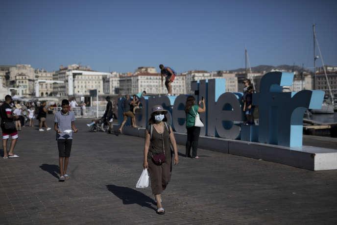 Sur le Vieux-Port de Marseille, où le masque est obligatoire depuis le 8 août.