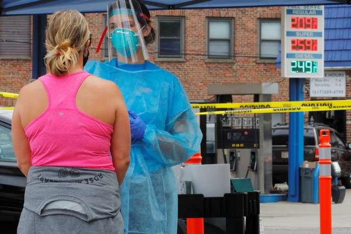 Un centre de dépistage mobile au Covid-19 à Chelsea, Massachusetts, Etats-Unis, le 7 août.