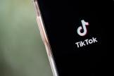 L'application TikTok sur un iPhone, vendredi 7 août.