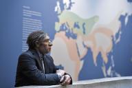 Reconstitution d'un homme de Néandertal dans des vêtements actuels, au musée de Néandertal, à Mettmann (Allemagne), le 3 juillet 2019.