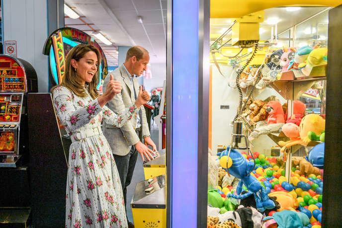 Kate Middleton et le prince William, à Barry Island, au Pays de Galles, le 5 août 2020.