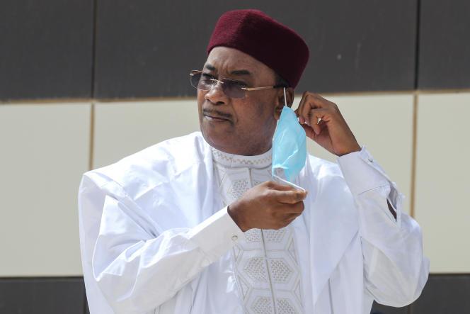 Le président nigérien, Mahamadou Issoufou, au sommet du G5 Sahel à Nouakchott, le 30juin 2020.