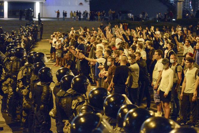 Manifestations à Minsk (Biélorussie), après l'annonce de la réélection d'Alexandre Loukachenko.