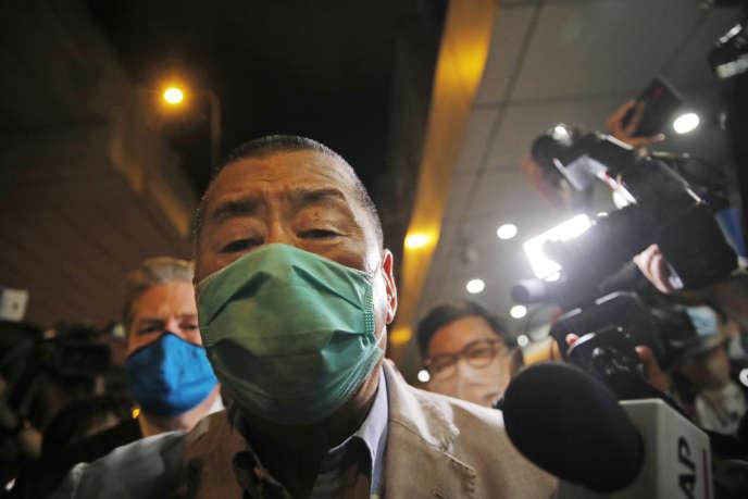 Jimmy Lai, patron de presse et figure du camp prodémocratie, a été libéré sous caution dans la nuit de mardi à mercredi à Hongkong.