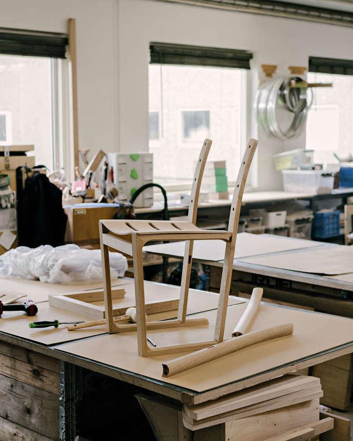L'assemblage des composants de la chaise.