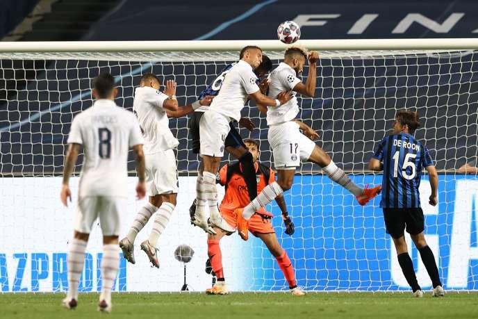 Moins de trois minutes après le but égalisateur, Choupo-Moting,offre la victoire et la qualification au PSG.