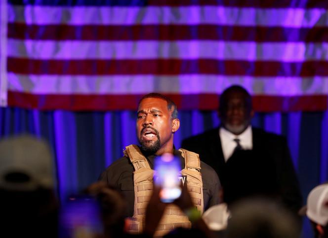 Le rappeur Kanye West en meeting de campagne le 19 juillet en Caroline du Sud.