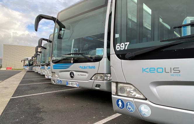 Des bus du groupe Keolis Meyer, au dépôt d'Avrainville (Essonne), le 3 mars 2020.