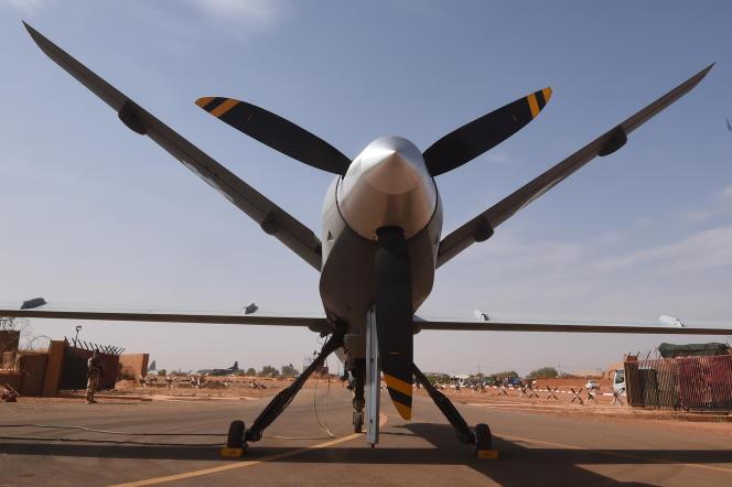 Un drone de l'armée française à l'aéroport militaire de Niamey, en 2015.