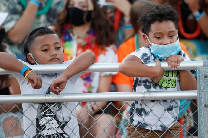Deux enfants lors d'un match inter-école, à l'école Herriman, dans l'Utah, le 13 août.