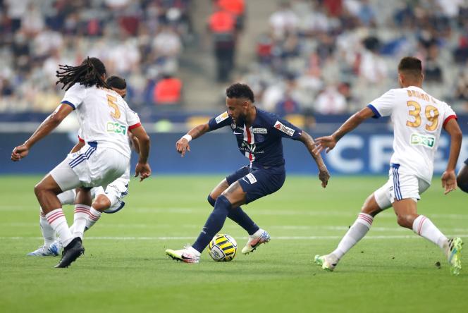 Finale de la Coupe de la Ligue entre le PSG et l'Olympique lyonnais, au Stade de France, à Saint-Denis, le 31 juillet.