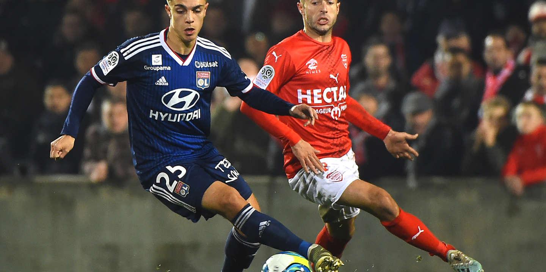 Football : Maxence Caqueret, 20 ans, s'est imposé dans le milieu lyonnais