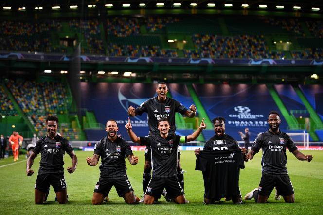 Les joueurs lyonnais à l'issue de leur qualification face à City, samedi 15 août.