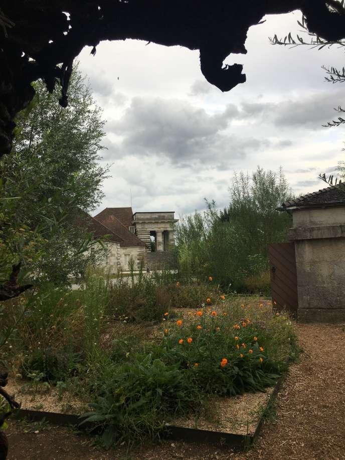 La maison du directeur vue depuis un des jardins du festival.