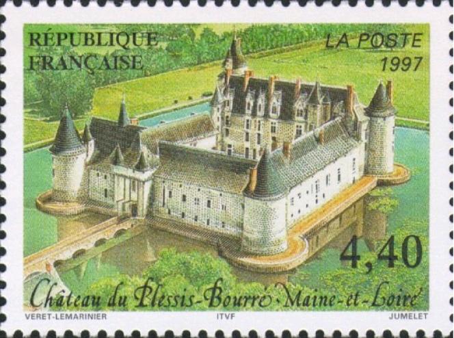 « Château du Plessis-Bourré», magnifique vue cavalière dessinée par Jean-Paul Véret-Lemarinier et gravé par Claude Jumelet (1997).