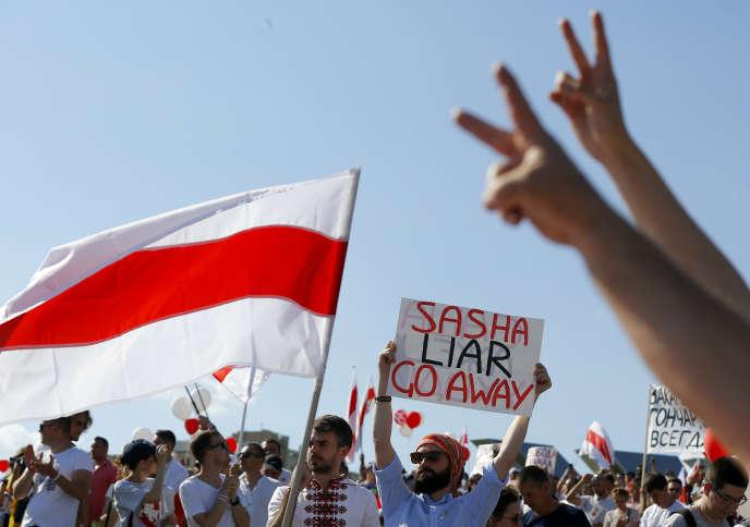 Manifestation contre le gouvernement, le 16 août, à Minsk (Biélorussie).
