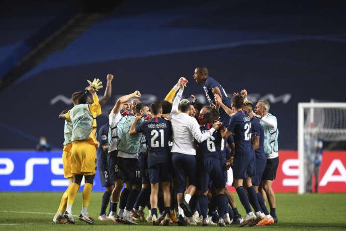 Fête parisienne, mardi 18 août à Lisbonne, après les qualifications pour la finale.