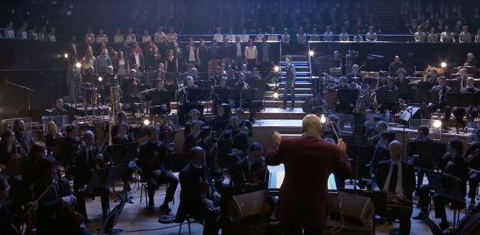 «Mass», de Leonard Bernstein, à la Philharmonie de Paris, en2018. Avec l'Ensemble Aedes, le Chœur et l'Orchestre de Paris, Wayne Marshall.
