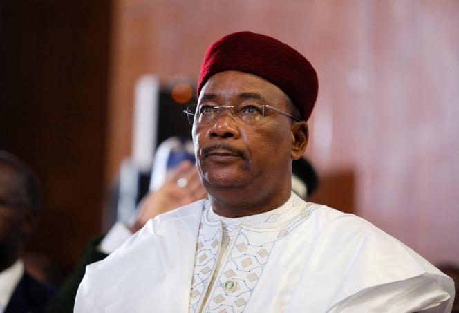 Le président nigérien Mahamadou Issoufou a maintes fois rappelé qu'il ne briguerait pas de troisième mandat. Ici, à Abuja, au Nigeria, le 22 décembre 2018.