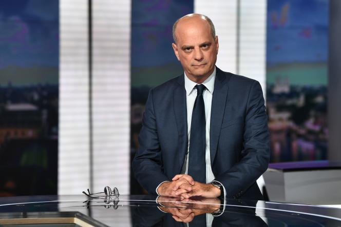 Le ministre de l'éducation nationale, Jean-Michel Blanquer, sur le plateau du «20 heures»de France 2,à Paris, le 20 août 2020.